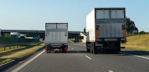 In the Midst of the Pandemic, Truck Drivers are Seeking Hot Food and Clean Bathrooms