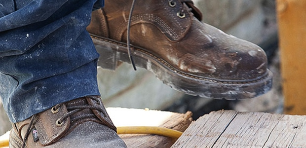 Internal metatarsal guards offer coverage beyond the end of the safety toe cap to the top of the foot. (Justin Original Workboots photo)