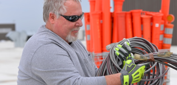 More manufacturers are paying attention to cooling construction and technologies to help keep workers protected. (Magid Glove photo)