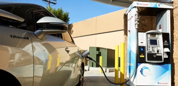 Even though the hydrogen fueling process is much like fueling a gasoline-powered vehicle, it still will challenge the safety professional to work outside of a controlled workplace setting. (Airgas photo)