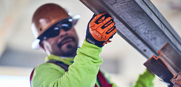 How Health and Safety Managers Can Reduce the Risk of Hand Injuries
