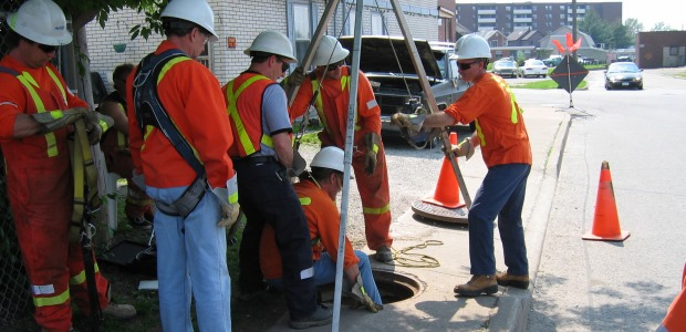 The requirement in the Oregon OSHA confined space standard for a written agreement between an employer and a third-party rescue service is being removed.