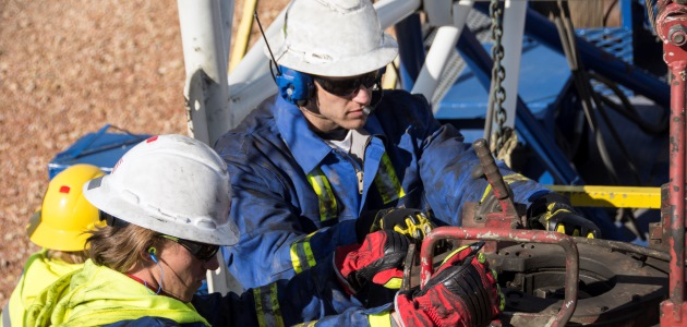 In addition to selecting HPDs and documenting the PAR achieved by each worker, hearing protector fit testing is a critical component to worker training. (Photo courtesy of 3M Personal Safety Division)
