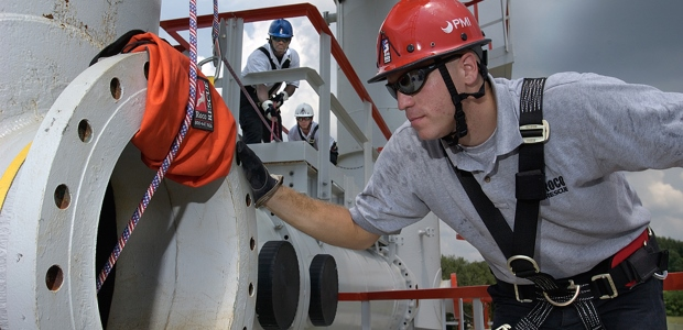 A competent person for confined spaces should be the employer's specialist. To meet OSHA